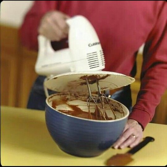 Baking hacks- Paper plate over mixer