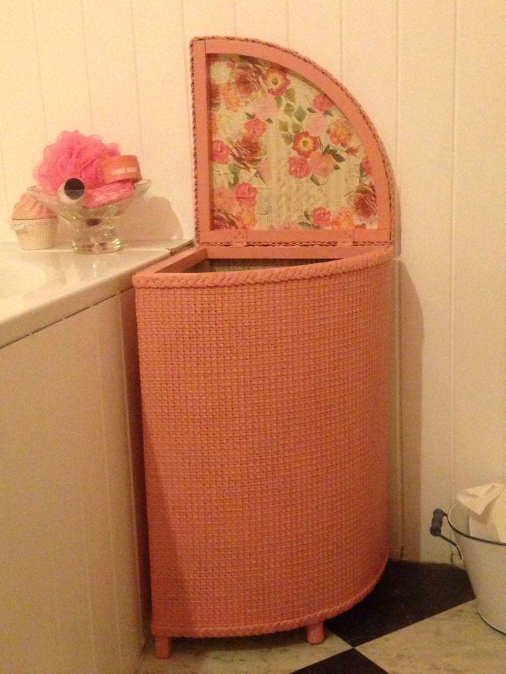 Lloyd Loom laundry basket make over to match the bathroom