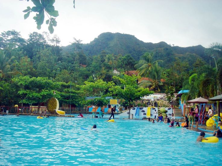 Bandung, Kolam Renang Tirta Indah: Wisata Keluarga di Kota Bandung