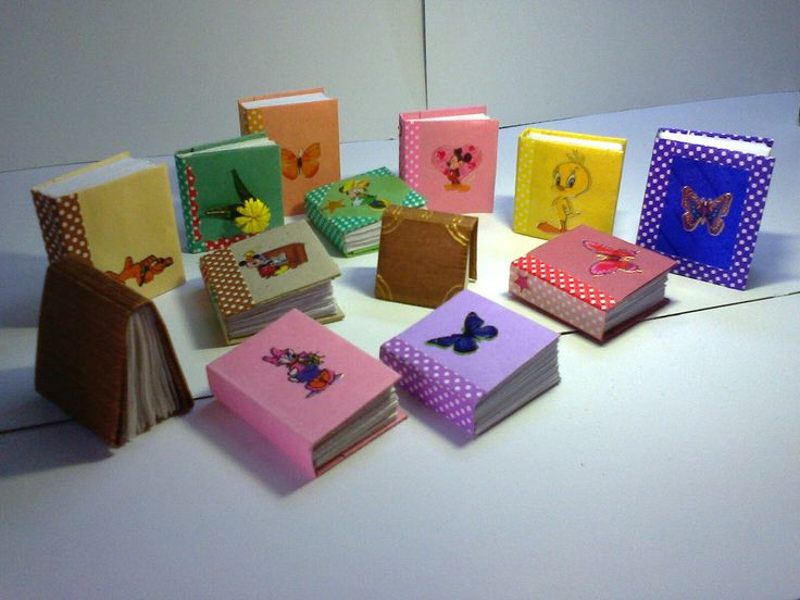 This are miniature books  made with color papers