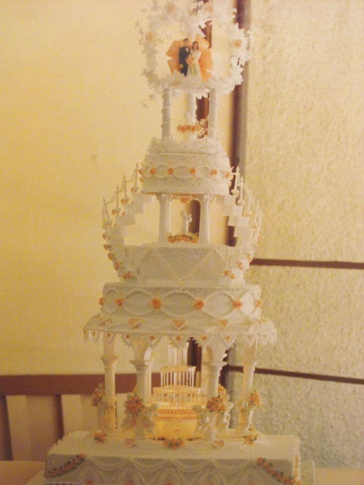 26 Best Wedding Cakes With Fountains And Stairs Images On
