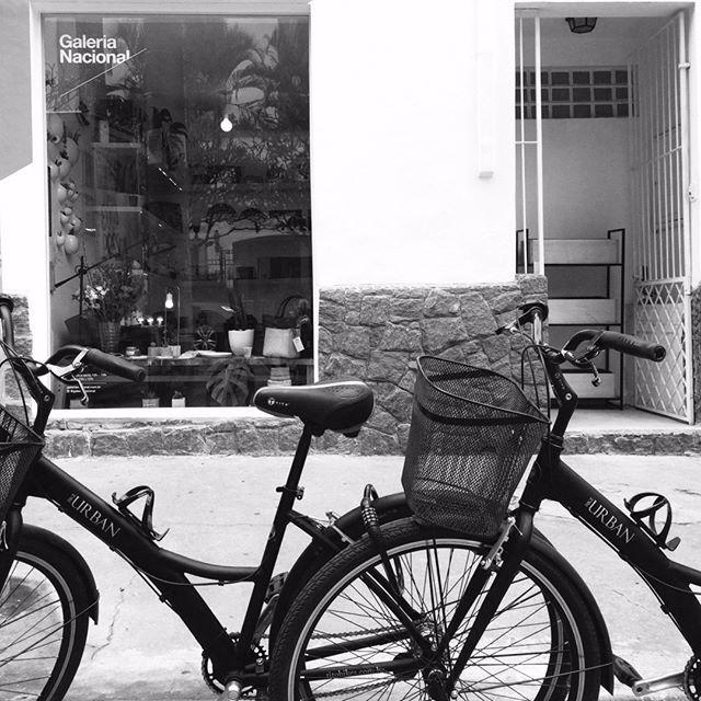 sua bicicleta é bem-vinda aquivem visitar a gente! rua mateus…