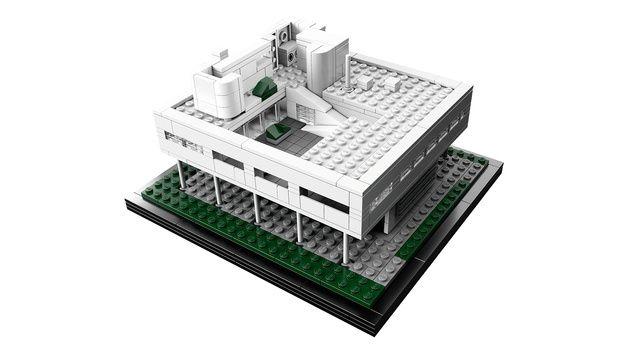 レゴでサヴォア邸ww なつかしー! 製図の最初のトレース教材だったなぁ。そいえば現地にも見に行ったなw  120903villasavoye.jpeg