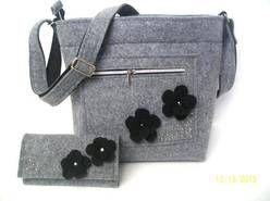 Torebka  torba  listonoszka  z  filcu   filcowa  i portfel