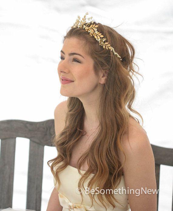 Gold Wedding Crown Woodland Queen Wedding Headpiece Leaves Flowers and Pearls, Wedding Hair, Metal Wedding Hair Accessory, Gold Bridal Tiara