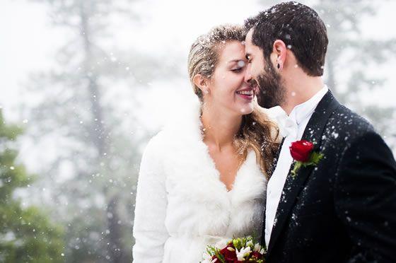 Real Weddings Winter: Real Wedding: Lacey + Marco's Snowy Yosemite Wedding