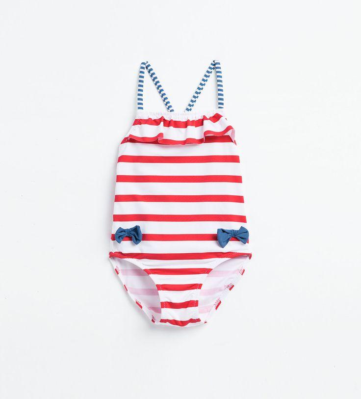 http://www.zara.com/es/es/niños/bebe-niña- -3-meses-3-años/accesorios/bañador-rayas-c358113p3185654.html