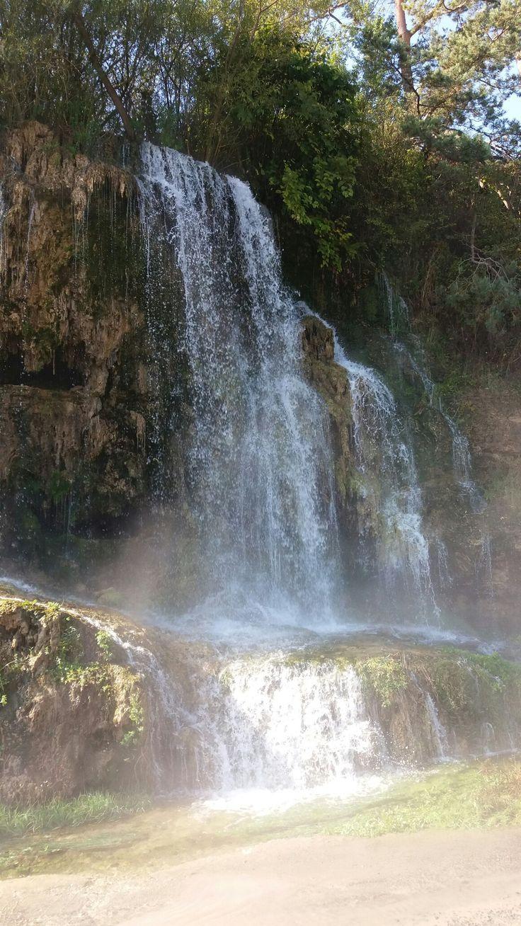 Cascada termala Toplita jud . Harghita