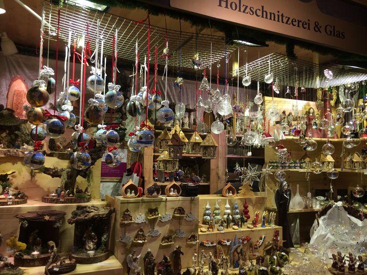 Österreich-Wien-Christkindlmarkt bein Schloss Belvedere