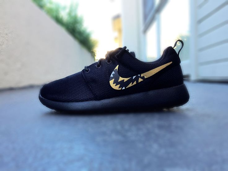 Womens Custom Nike Roshe sneakers, Roshe Run. Tribal like pattern, Gold and Black, Classy design, trendy and chic