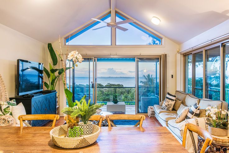 WELLINGTON POINT 46 Beachcrest Road...A rewarding and serene lifestyle awaits the future owner of this expansive home, set over a 1,467m2 allotment in the picturesque suburb of Wellington Point.