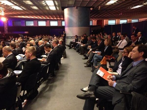 La sala dell'Auditorium Verdi è gremita per il Summit #VES13 #benvenuti