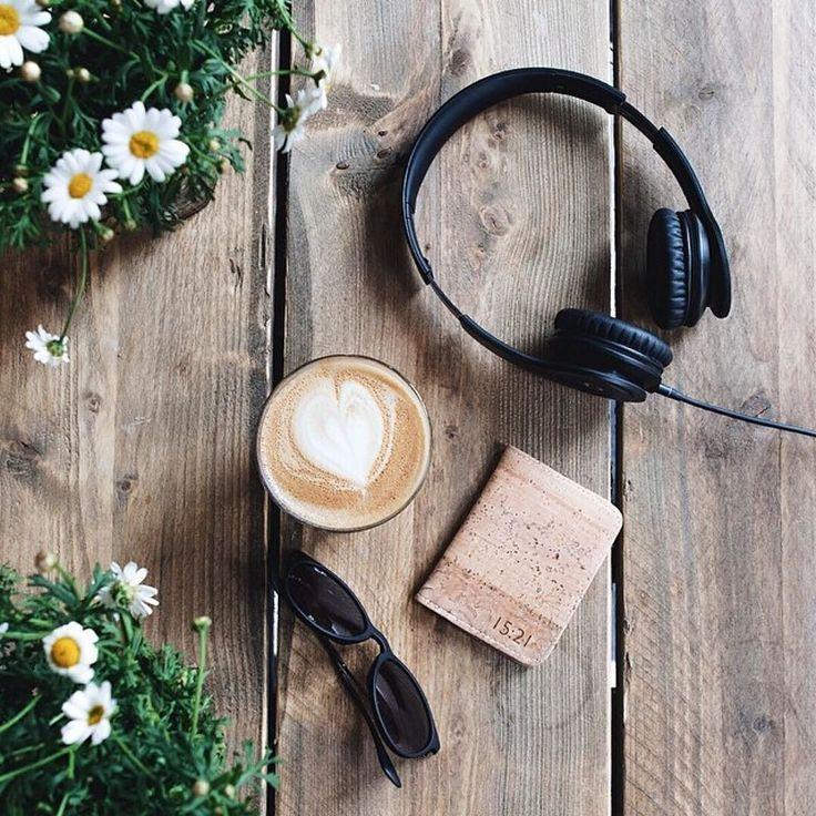 Coffee break through the lens of @diografic