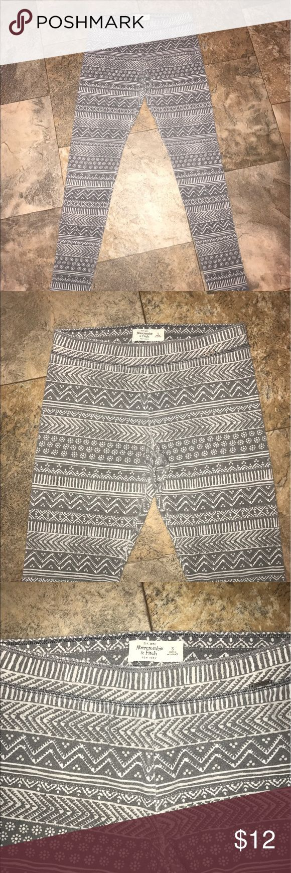 Abercrombie and fitch leggings EUC size small Abercrombie and fitch leggings EUC size small approx measurements 28 inch inseam Abercrombie & Fitch Pants Leggings