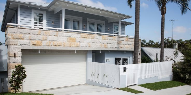The beauty of Sydney Sandstone Rockfaced Wall Cladding is having the exact same finish and look from a thin and easy-to-use product as you would from proper sandstone ballasts.  #sandstonecladding #rockfaced #sydneysandstone #sandstone #sandstonevaneer
