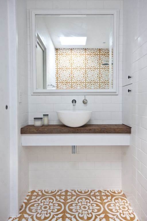 Home of Sydney architect Jodi York of T01 Architecture & Interiors.  Tiles from Jatana Interiors.