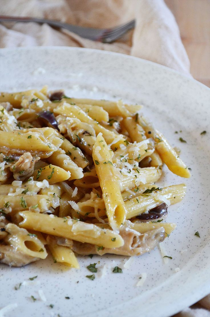 Madeira Chicken and Shiitake Mushroom Penne (inspired by Cheesecake Factory's Pasta Da Vinci) | Sprig and Flours