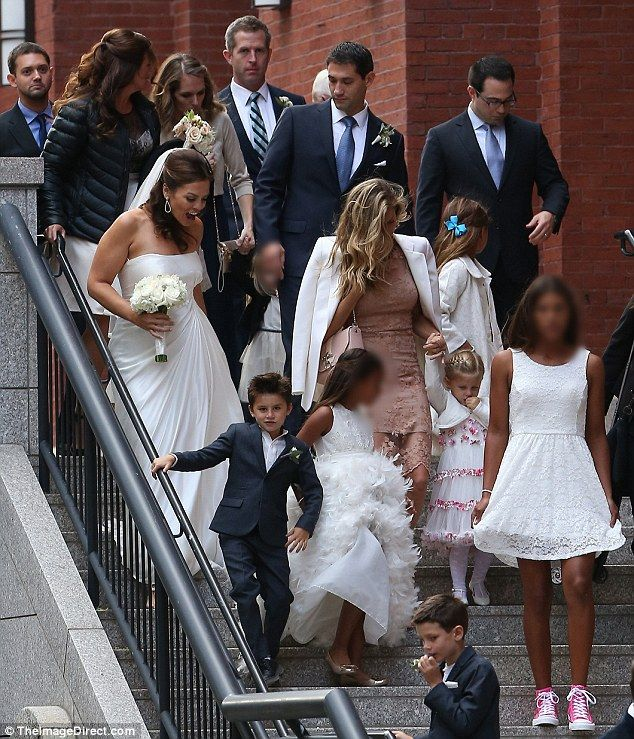 Gisele Bundchen And Tom Brady Put On United Front For Sister S