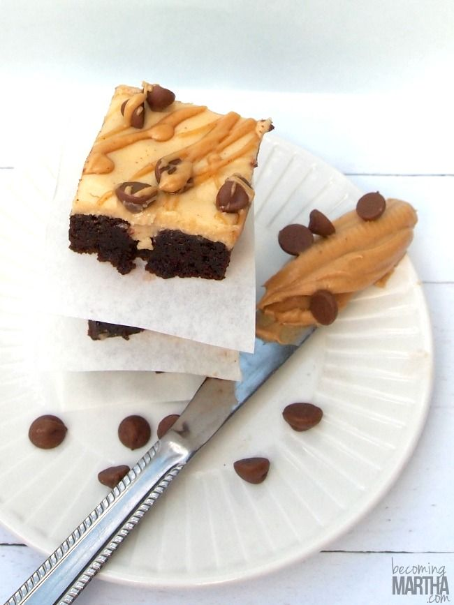 Use your favourite brownie recipe - boxed or from scratch - to create these delicious, ooey gooey, peanut butter poke cake brownies!
