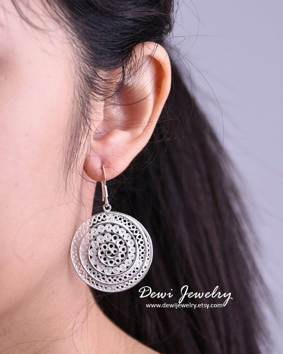 925 Sterling Silver Filigree Contemporary Round by DewiJewelry