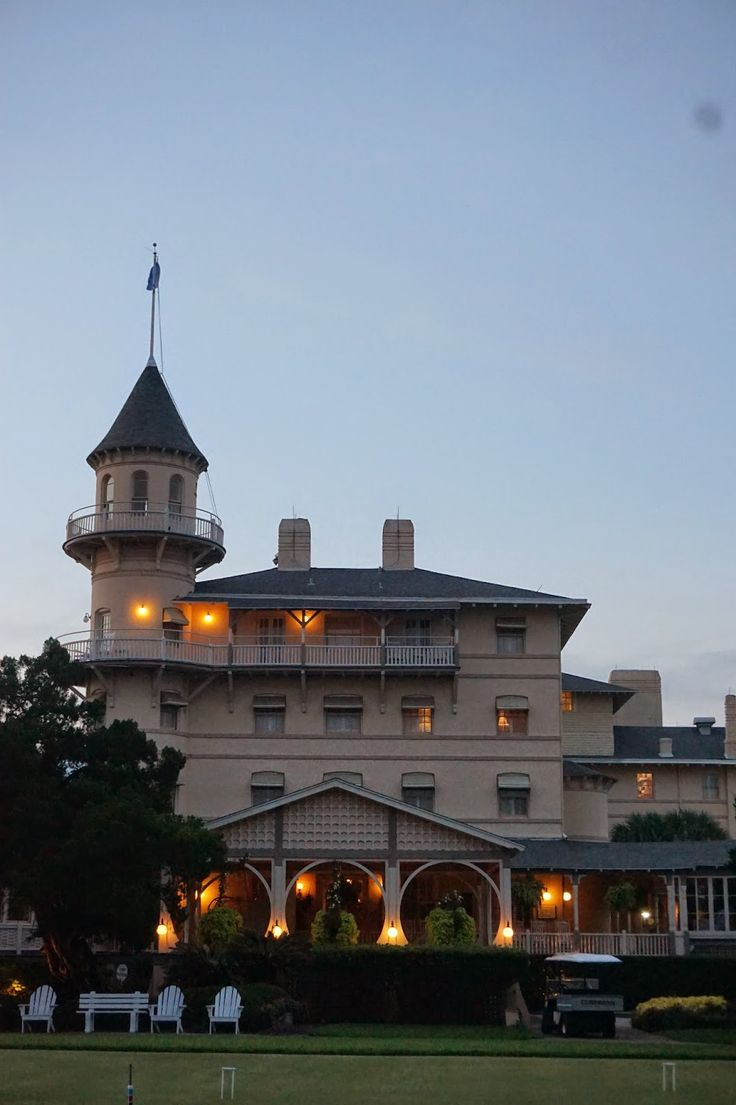 Jekyll Island Club Hotel: A Tour. The Jekyll Island Club Hotel has 157 rooms, dates back to the late 1800s, and is located on one of Georgia's Golden Isles.