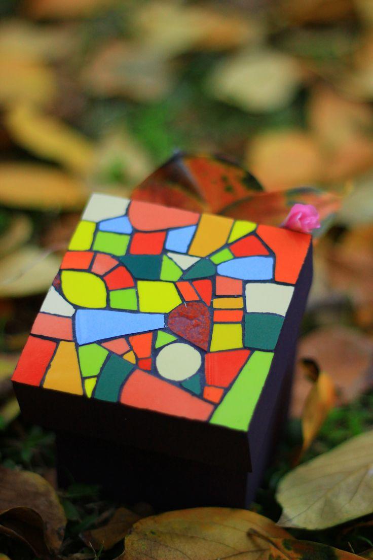 Picorella - Caja con mosaiquismo