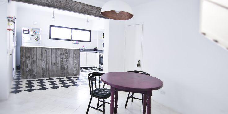 NM - Cocina integrada, barra hormigón, pisos calcareos