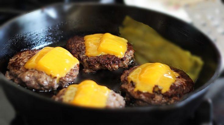 Hambúrguer Gourmet.Hoje vamos aprender como fazer um delicioso Hambúrguer Gourmet  de uma forma bem simples e rápida.