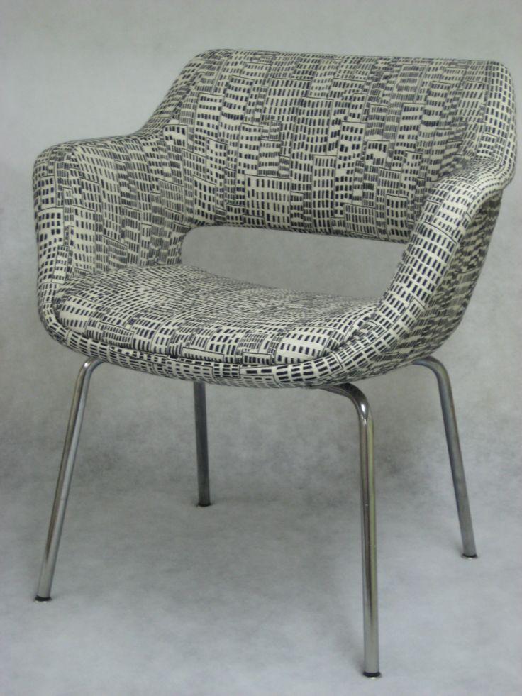 Kilta-tuoli uudelleenverhoiltuna Lauritzonin York-kankaalla.  Uniikkikappale, hinta vain 390€.