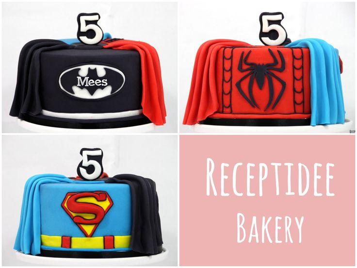 Eén taart met drie kanten: Batman, Spiderman en Superman!   Van harte gefeliciteerd met je verjaardag Mees!  Http://bakery.receptidee.nl #spiderman #batman #superman #caje #taart #verjaardag #verjaardagstaart #birthdaycake #superheroes #superhelden #cakedecoration