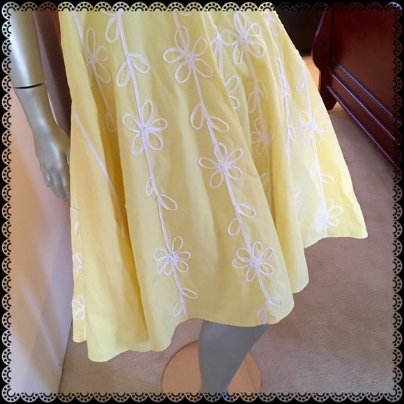 LILLY PULITZER Yellow Halter Top Dress Worn a few times. Items in my closet are all packed. Most reasonable offers are accepted. Lilly Pulitzer Dresses