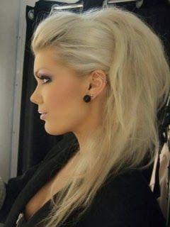 Penteado moicano para cabelo liso e comprido