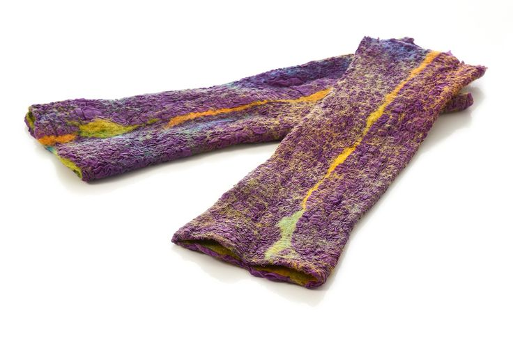 Silk arm warmers of hand dyed pongé silk and Merino wool. Double faced and seamless. Handmade and unique. With Nuno Felting Technique.