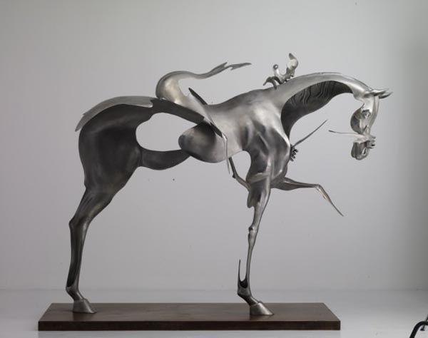 modern-abstract-horse-metal-sculpture.jpg 600×474 pixels