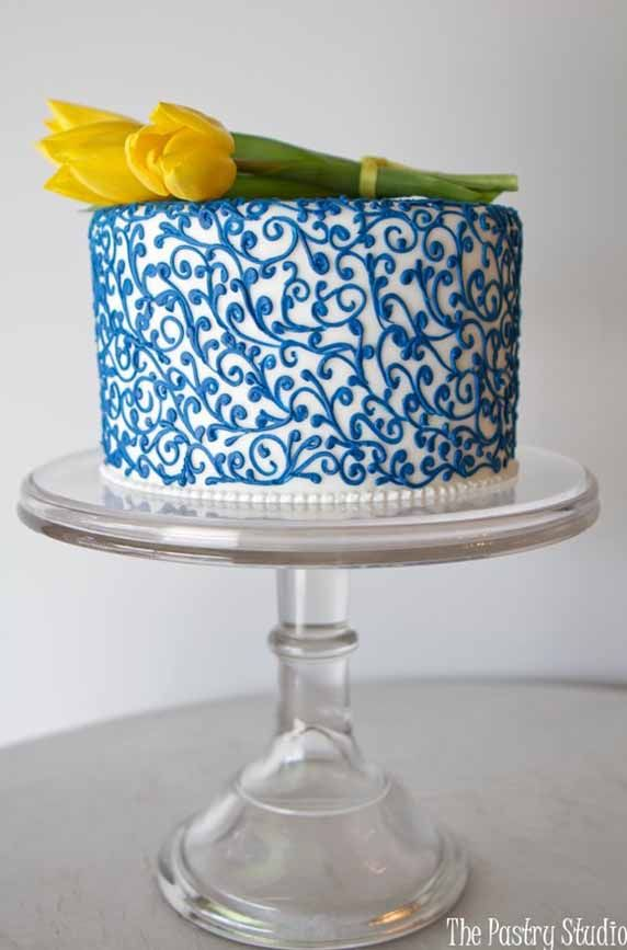 Single Tiered Blue Scrollwork Wedding Cake