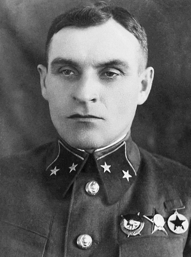 Le Général-Major Sergey Vladimirovitch Verzin, commandant de la 173e division d'infanterie de la 6e armée du front sud-ouest