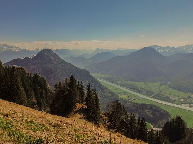 Blick vom Heuberg aufs Kranzhorn und ins Inntal und nach Tirol