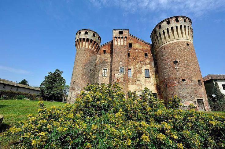 Il #castello di #Valeggio. #Lomellina #turismo #storia #medioevo #itinerari