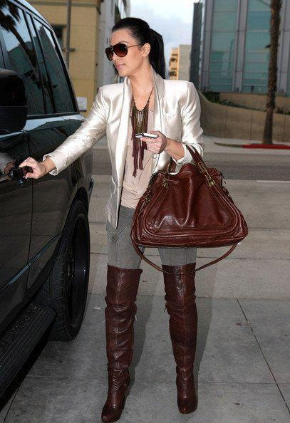 that´s a great look ! love the brown overknees