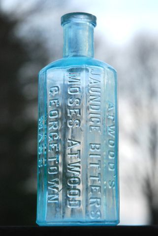 Cleaning old glass bottles - pinning this because I went to an antique store today and fell in love with old bottles. Decorating with them someday but need to know how to clean them! :)