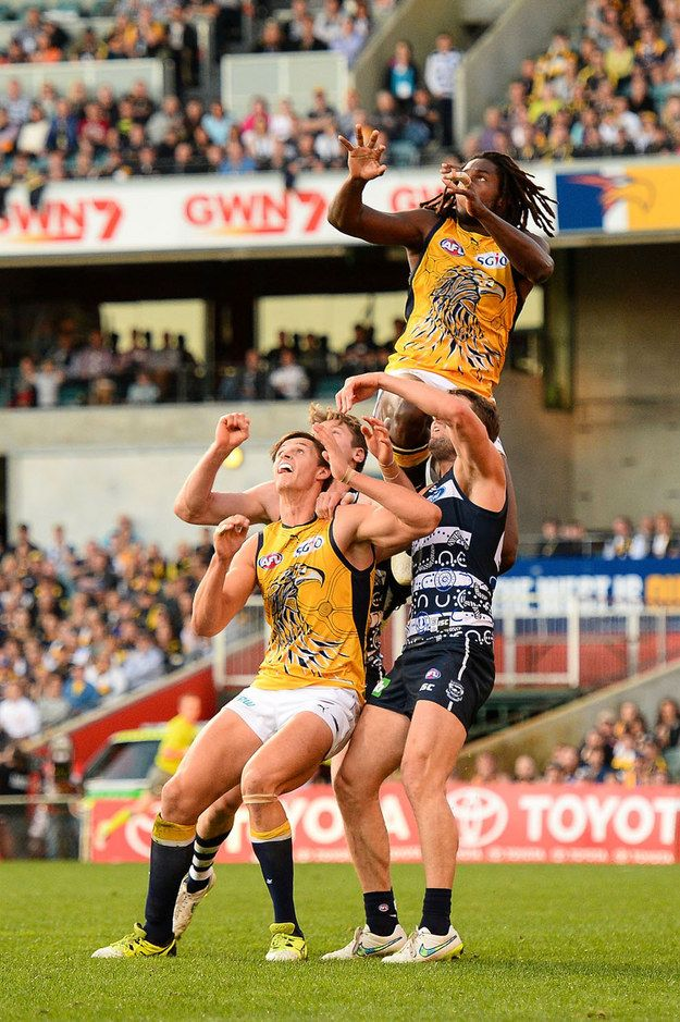 AFL (a.k.a. Aussie Rules football). | Non-Australians Reacted To Photos Of Aussie Things And Got Very Confused