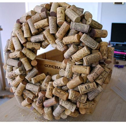 DIY: How to Make a Cork Wreath by Lolly Chops