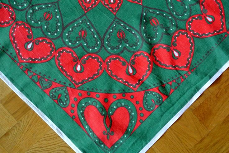 RARE Swedish vintage 1960s large printed red/ green cotton Christmas  design table-cloth with heart motives
