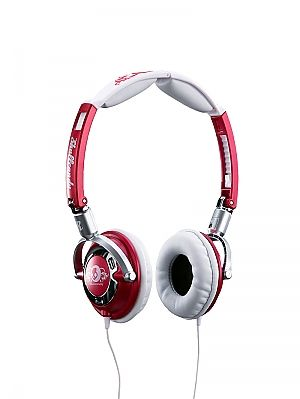 Skullcandy Lowrider Headphones - Candy Red No description http://www.comparestoreprices.co.uk/womens-accessories/skullcandy-lowrider-headphones--candy-red.asp