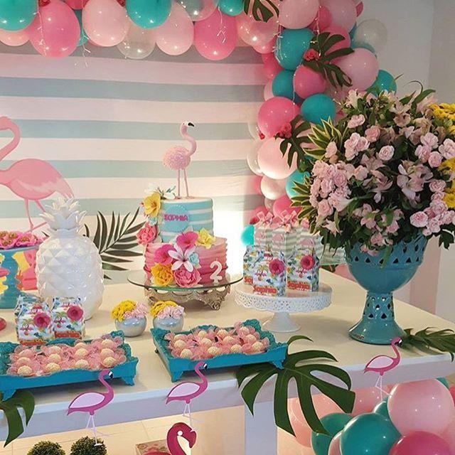 Festa Flamingo. Por @decorbabystore #encontrandoideias #blogencontrandoideias #fabiolateles