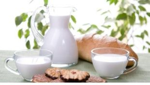 Intolleranza al lattosio: come evitare pancia gonfia e colite
