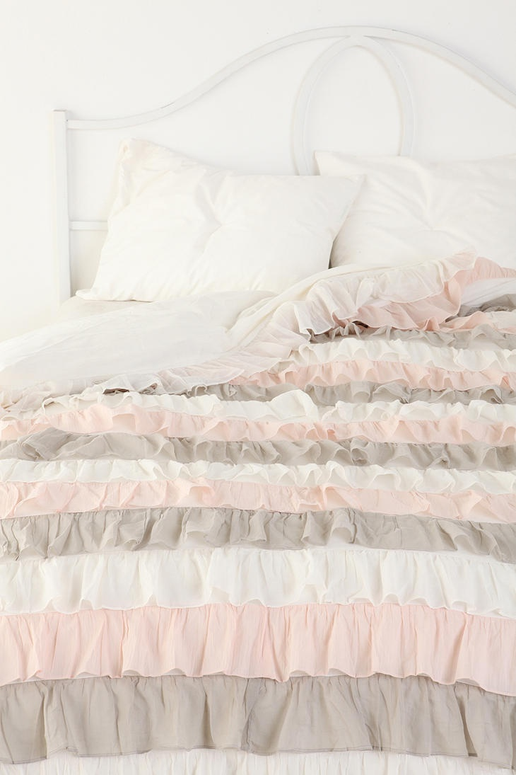 54 best images about waterfall ruffle duvet cover on for Frilly bedspreads