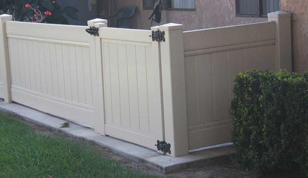 Tan Vinyl Solid Privacy Gate Vinyl Fence Fence Design Fence Gate