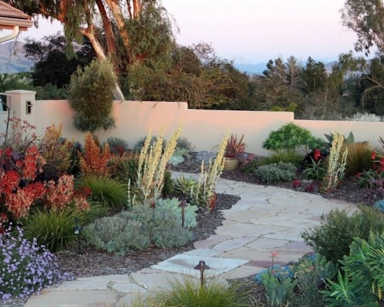 Mediterranean landscape design mediterranean style decor pinterest landscapes photos and - Mediterranean backyard designs ...