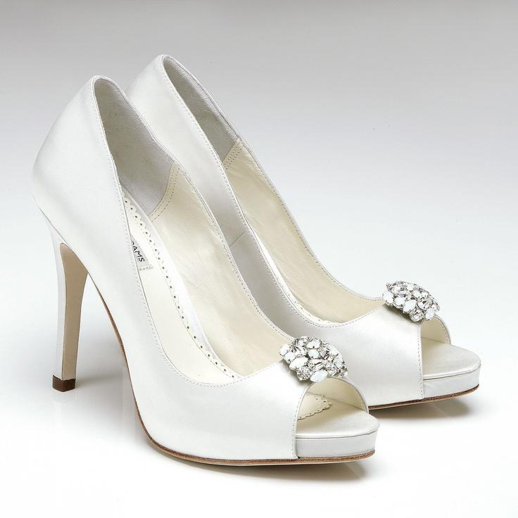 Keira : http://www.chaussures-femmes.com/createurs/benjamin-adams-lamour.html